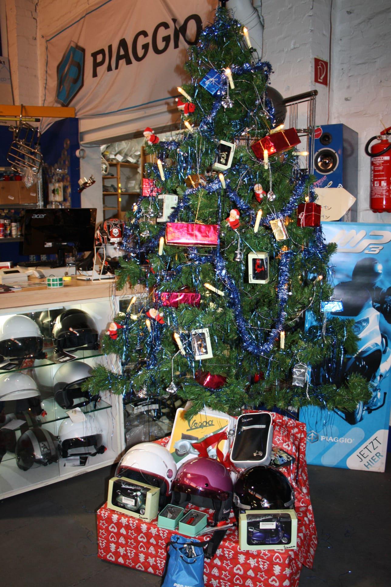 Vespa Weihnachtsbaum